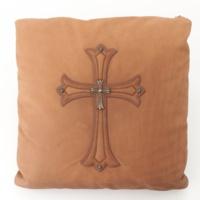 レザー 十字架 クロスファスナー クッション ブラウン