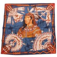 カレ90 シルクスカーフ COSMOGONIE APACHE アパッチ族の宇宙論柄 ネイビー